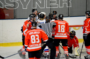Zápas o bronz: Švýcarsko1 1 1:8 Česko
